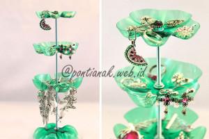 Membuat Tempat Perhiasan (Jewelry Stand) dari Botol Bekas Minuman