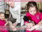 Seorang gadis 3 tahun yang menjadi artis tato