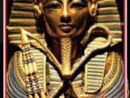 Topeng kematian di kepala mumi Raja Tutankhemen